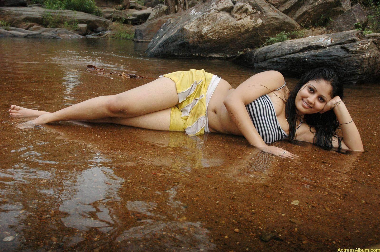 macha kanni tamil movie hot stills31