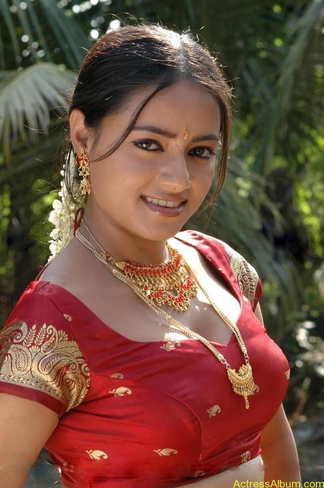 Madhu-Santha_11607rs