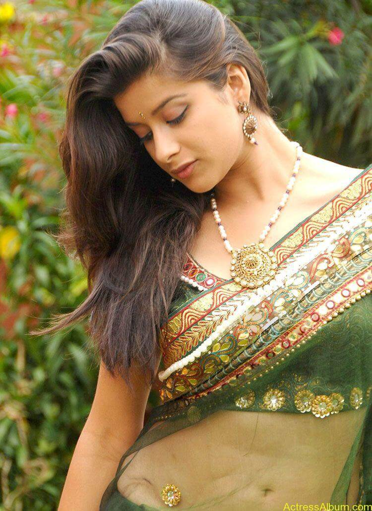Madhurima Hot Navel Exposing in Transparent saree3