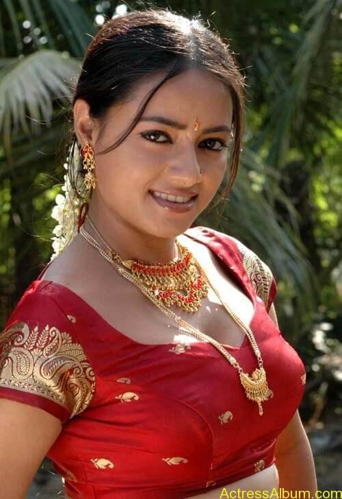 Madhusantha Hot Navel Photos, Images, Pics, Stills 4