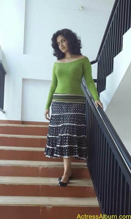Malayalam Actress Honey Rose New Facebook Photos 3