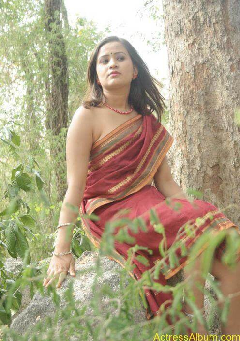 MALLU ACTRESS WITHOUT BLOUSE SEXY PHOTO COLLECTIONS22