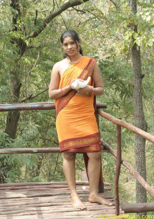 MALLU ACTRESS WITHOUT BLOUSE SEXY PHOTO COLLECTIONS4