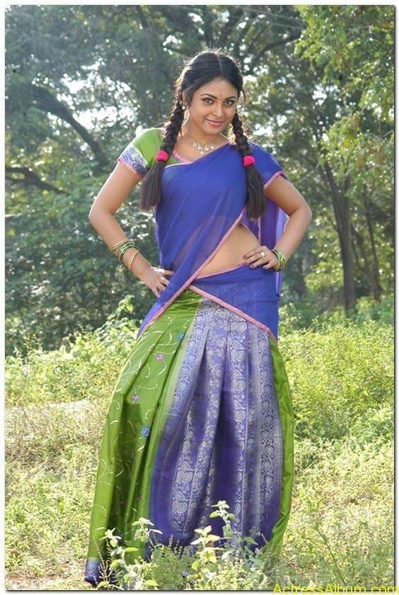 Meenakshi-latest-hot-stills(6)