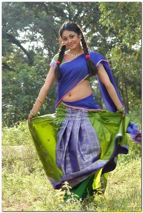 Meenakshi-latest-hot-stills(8)