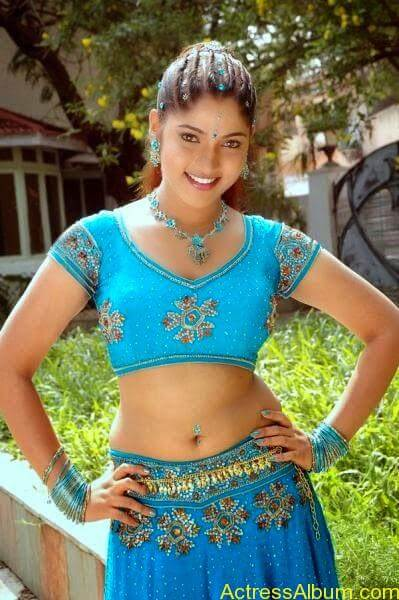 Muktha Bhanu Hot Navel In Blue Dress Photos