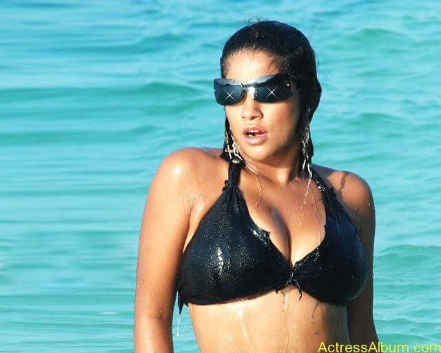 Mumait-Khan-item-actress