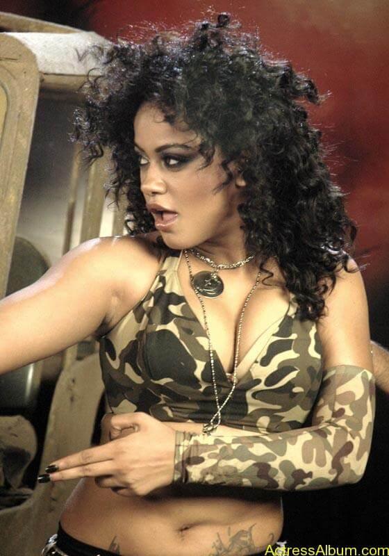 mumaith khan hot item girl and vamp exposing deep navel and belly tattoo