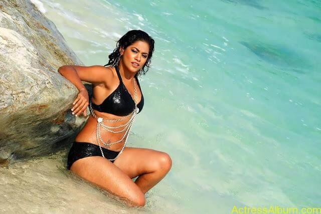 mumaith-khan-hot-stills-in-two-piece-bikini-18