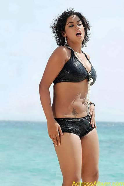 mumaith-khan-hot-stills-in-two-piece-bikini-4