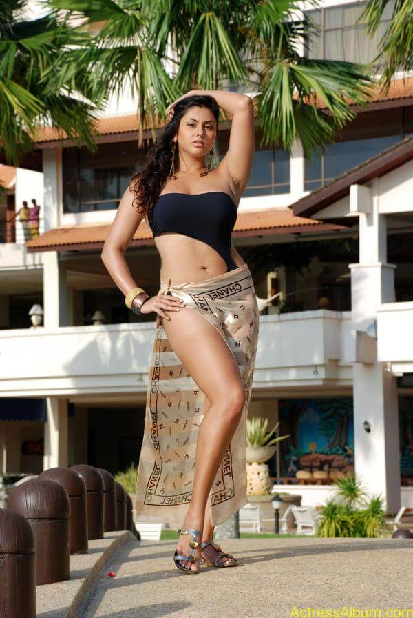 namitha-hot-bikini-photos-01