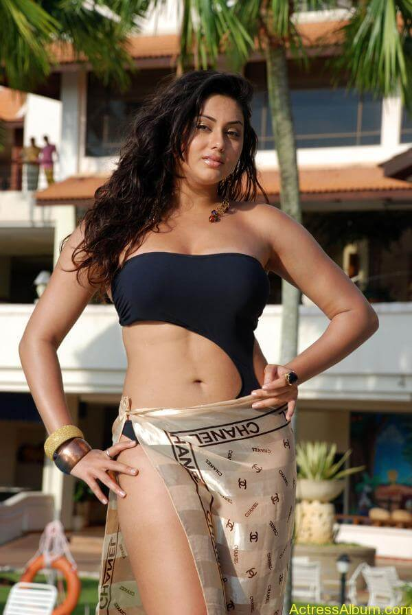 namitha-hot-bikini-photos-04