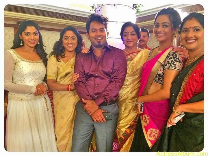 Namitha Pramod With Ormayundo Ee Mugam Team