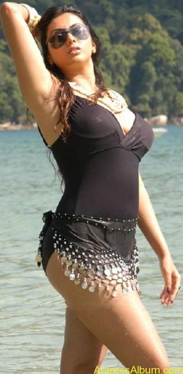 Namitha_Hot_Bikini_8