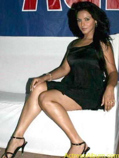 Neetu_Chandra_Hot_Black_Dress_ photos7