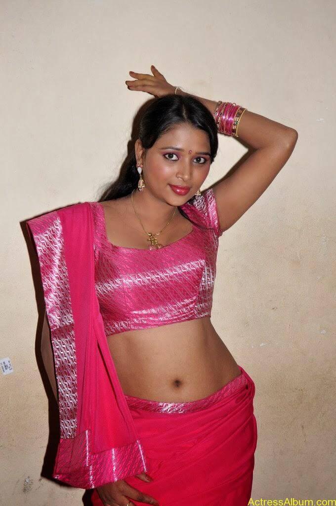 nijam-nizhalagirathu_Jothisha stills _22_