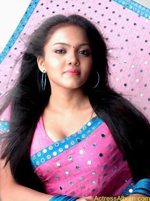 Actress Nikhisha Hot Saree Pics - Actress Album-5318