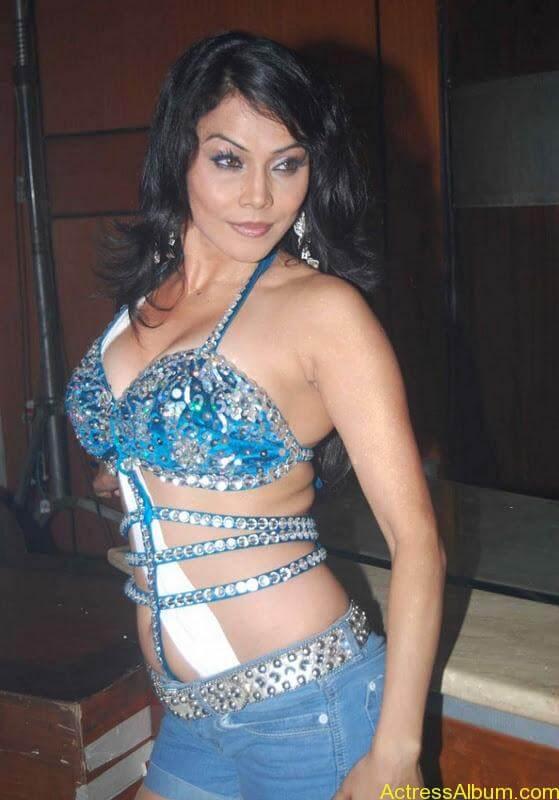 Nikita Rawal sexy actress