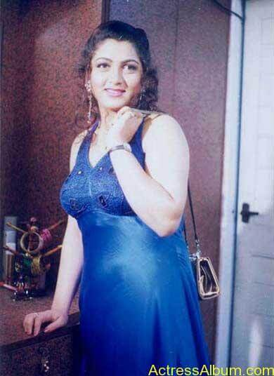 Old-Actress-Kushboo-Hot-and-Sexy-Photos-0369