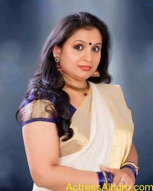 Old Actress Suchithra in Set Saree Photos Malayalam Actress1