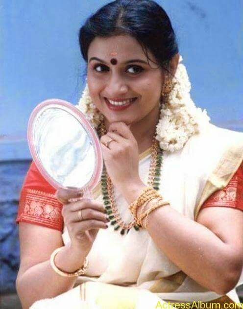 Old Actress Suchithra in Set Saree Photos Malayalam Actress2