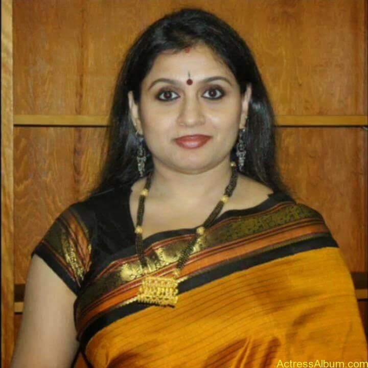 Old Actress Suchithra in Set Saree Photos Malayalam Actress3