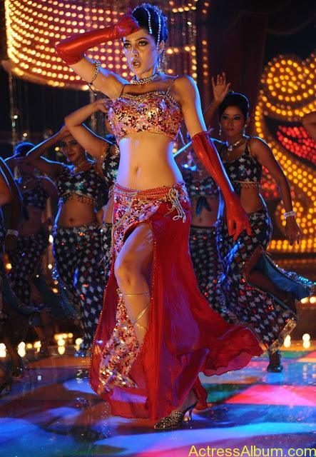 Parvathi Melton Exposing in Spicy Item Song 2