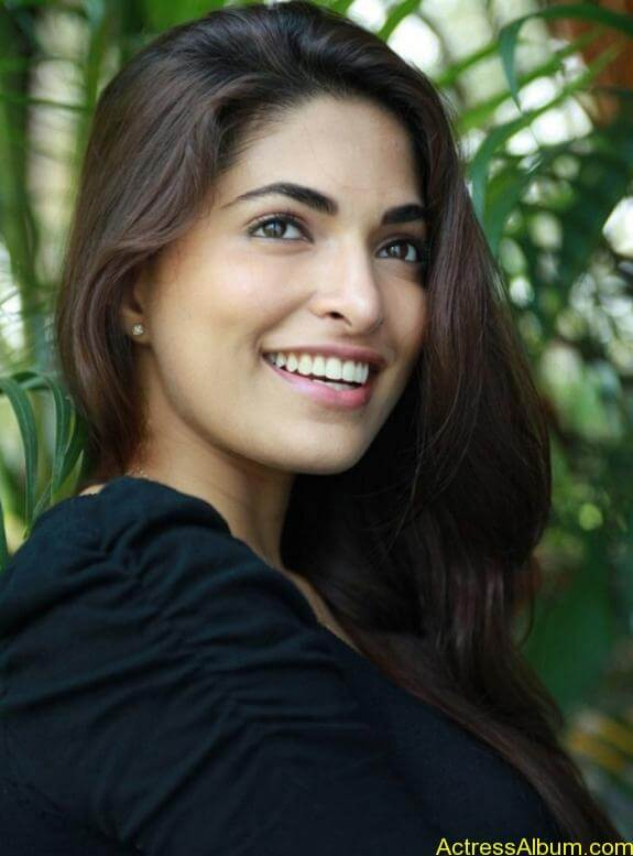Parvathy Omanakuttan Cute Images (11)