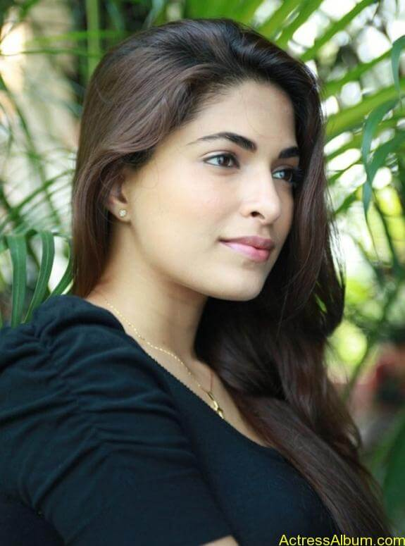 Parvathy Omanakuttan Cute Images (12)
