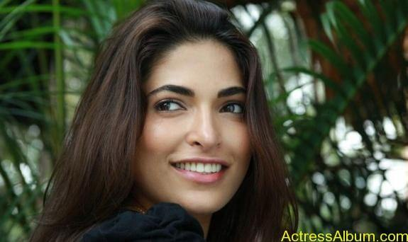 Parvathy Omanakuttan Cute Images (15)