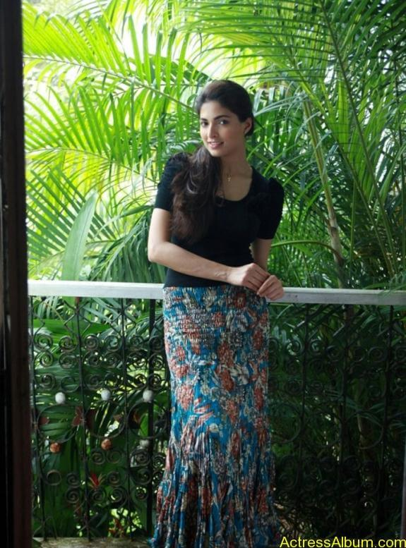 Parvathy Omanakuttan Cute Images (2)