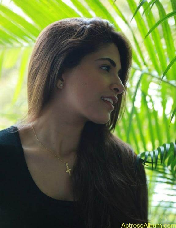 Parvathy Omanakuttan Cute Images (6)