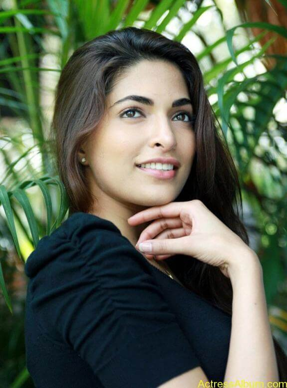 Parvathy Omanakuttan Cute Images (7)