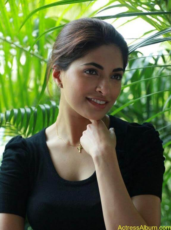 Parvathy Omanakuttan Cute Images (9)