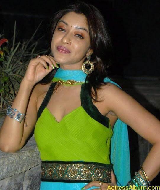 Payal_Gosh_Harika_Green_4