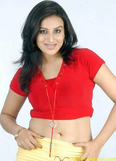 Pooja_Gandhi_Red_Hot_3