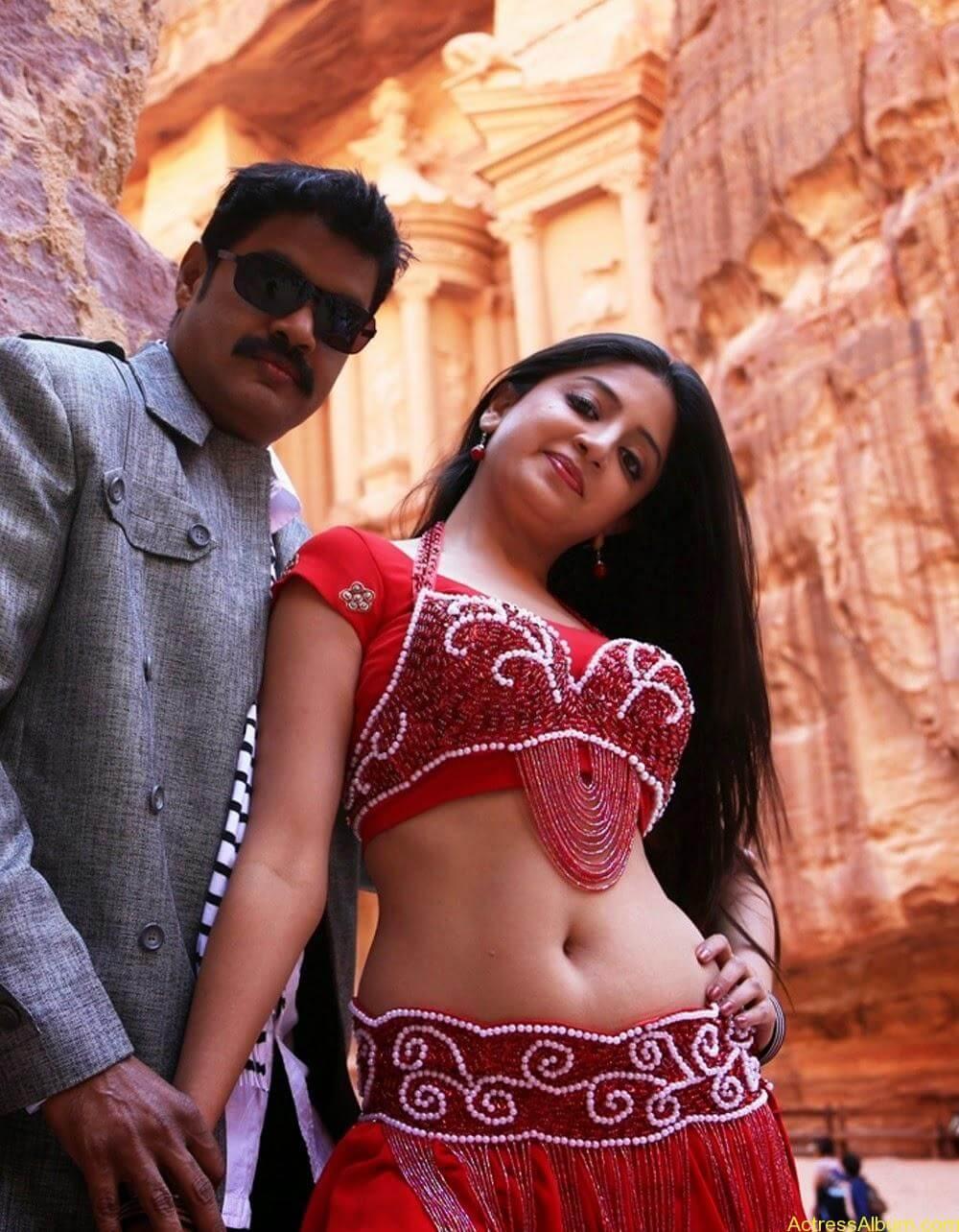 Poonam Kaur Hot Sexy Look In Blue Saree Photos5