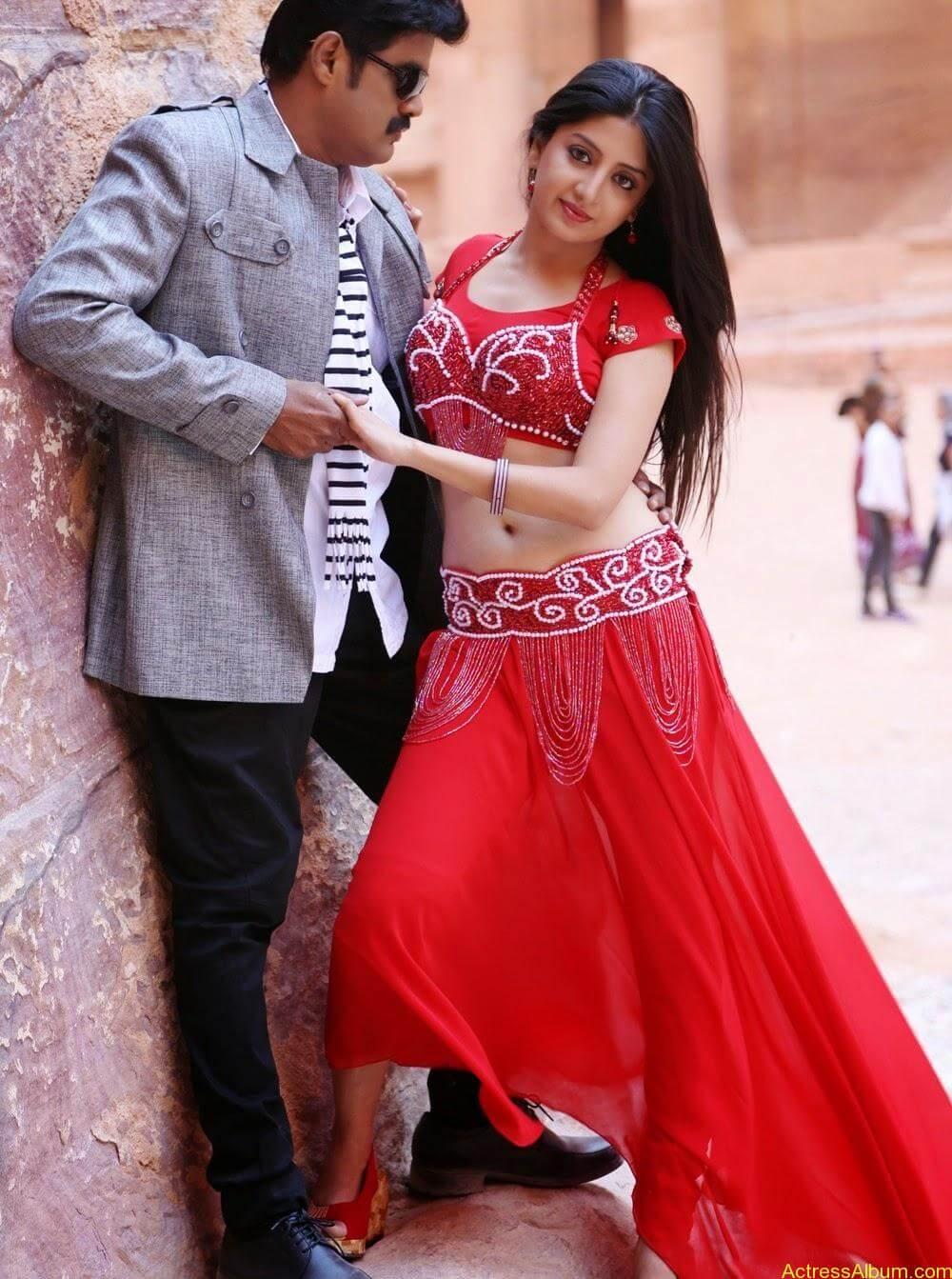Poonam Kaur Hot Sexy Look In Blue Saree Photos6