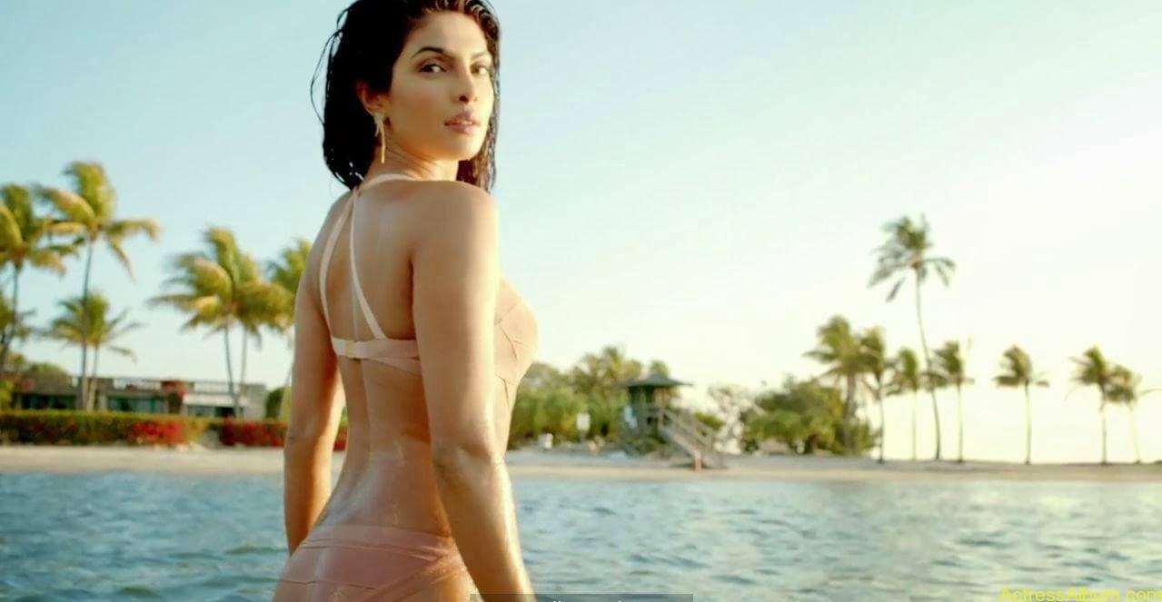 Priyanka-Chopra hot photos from-Exotic (12)