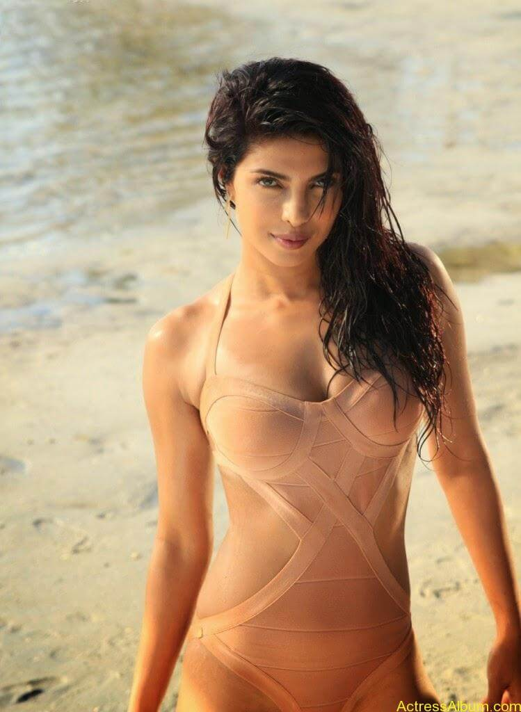 PRIYANKA CHOPRA LATEST BIKINI PHOTO