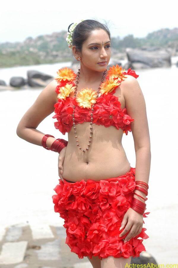 ragini-spicy-hot-stills-pics-images(6)