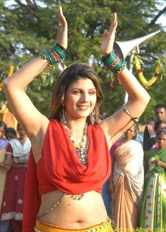 rambha hot navel show pics
