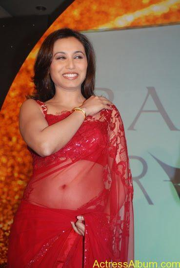 Rani Mukerjee hot navel show in red saree3