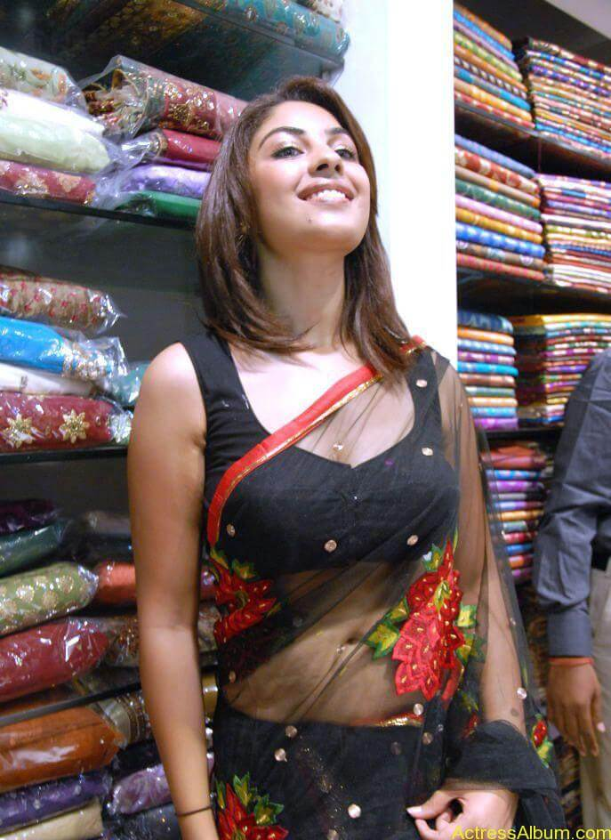 Richa Gangopadhyay Hot Navel and Blouse stills6