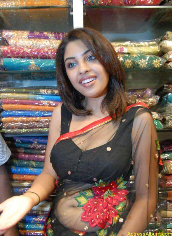 Richa Gangopadhyay Hot Navel and Blouse stills8