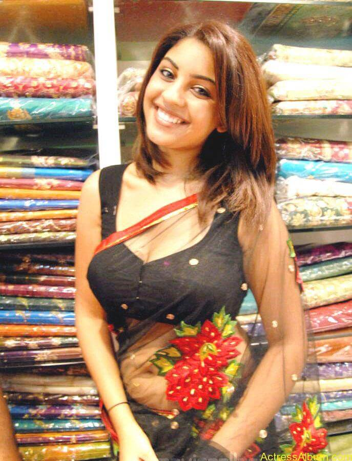Richa Gangopadhyay Hot Navel and Blouse stills9