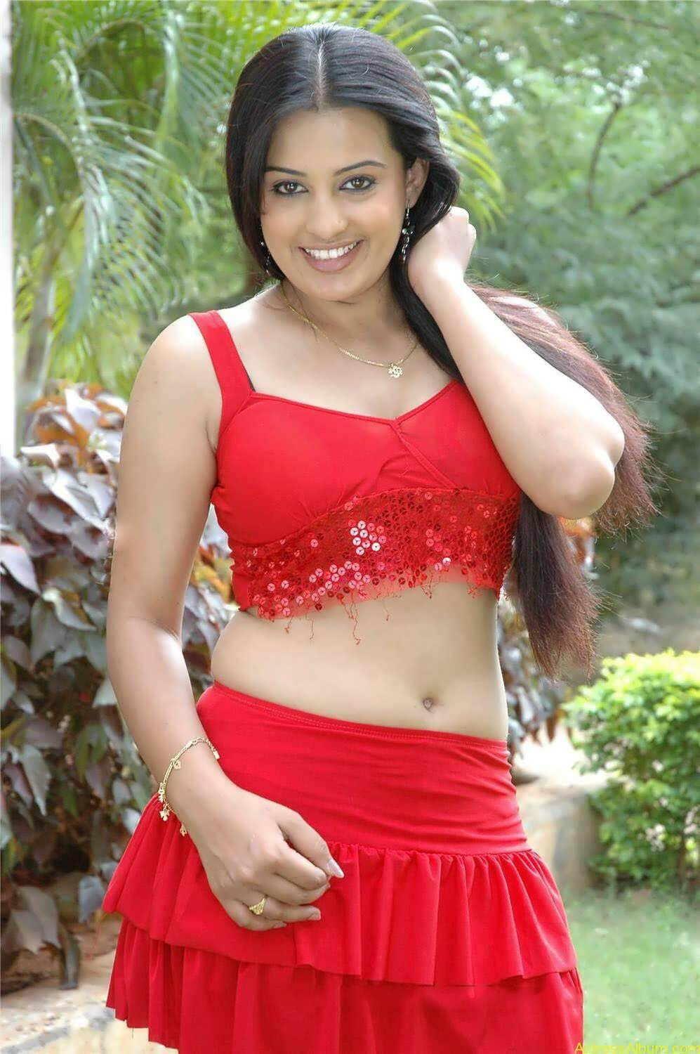 roopa-kaur-hot-in-red-dress-5