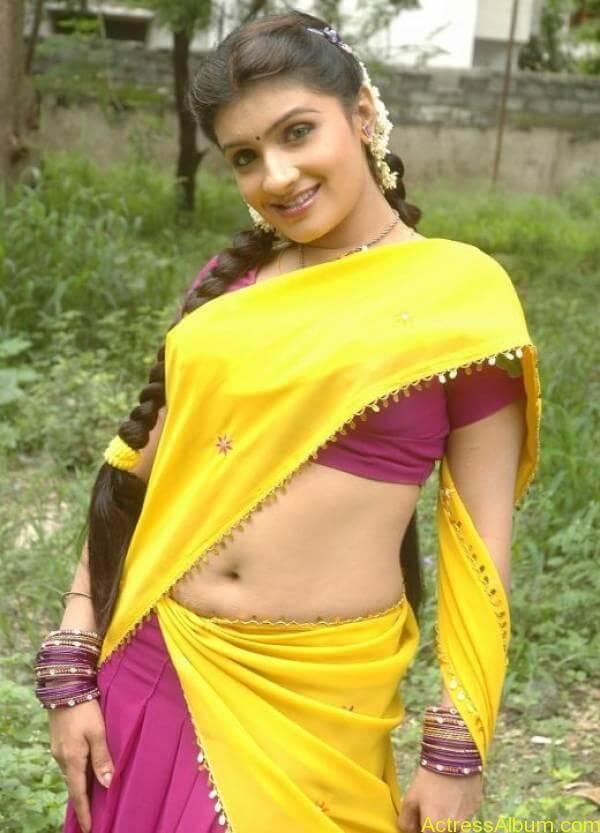 Roopa-Sri-Telugu-Tamil-Kollywood-Tollywood-Spicy-Yellow-Saree_5