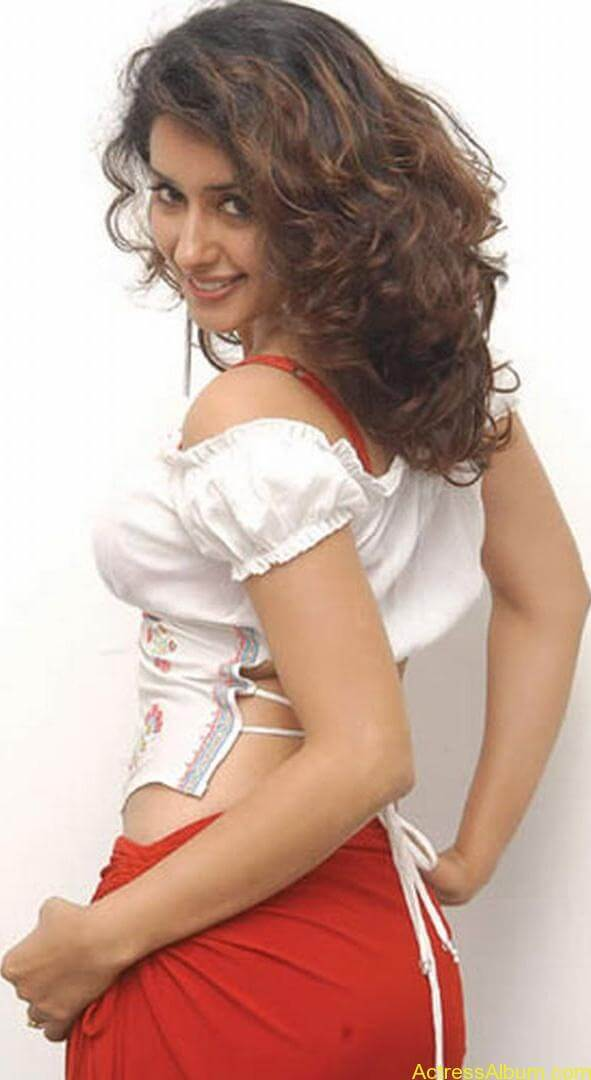 Sameeksha_White_Hot_Beauty_5