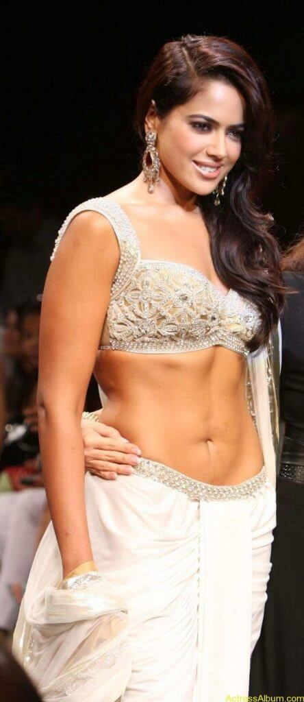 SAMEERA REDDY HOT NAVEL PHOTOS ON RAMP6